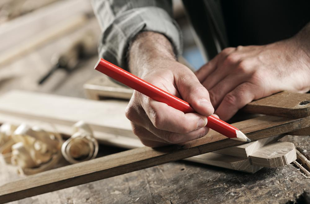 Most general contractors are experienced carpenters.