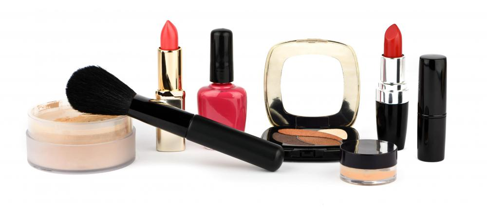 A features editor might write a column about niche industries, such as cosmetics.