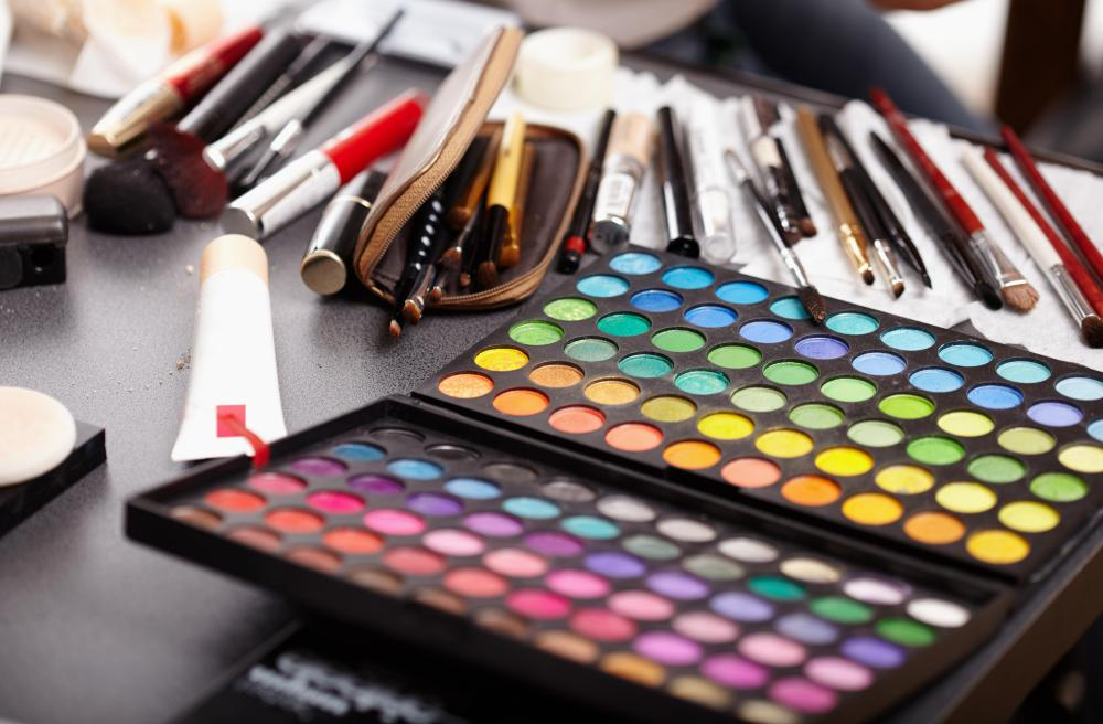 A good freelance makeup artist should have an array of professional-grade cosmetics.