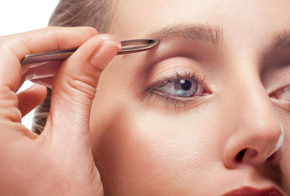 Eyebrow specialists take classes on eyebrow shaping and grooming.