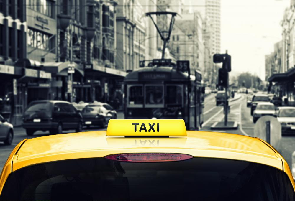 In New York, a chauffeur license is a Class E license, which is a taxi license.